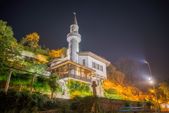 Balchik Palace at night