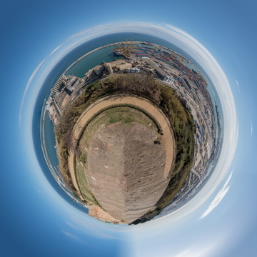 Barcelona port planet