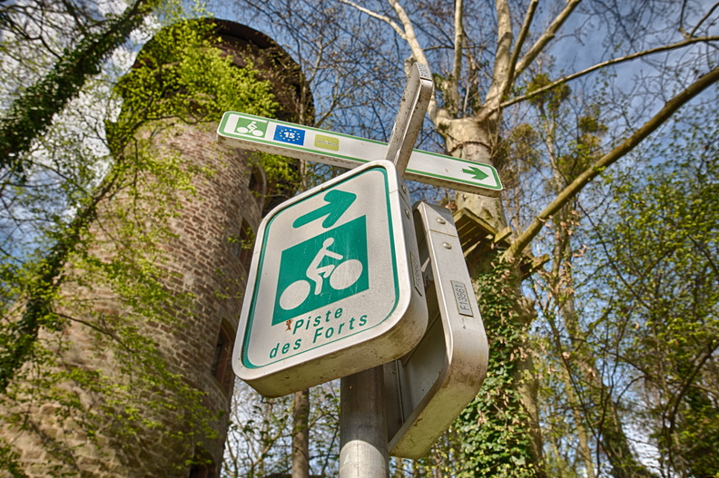 Cycling directions sign in Strasbourg