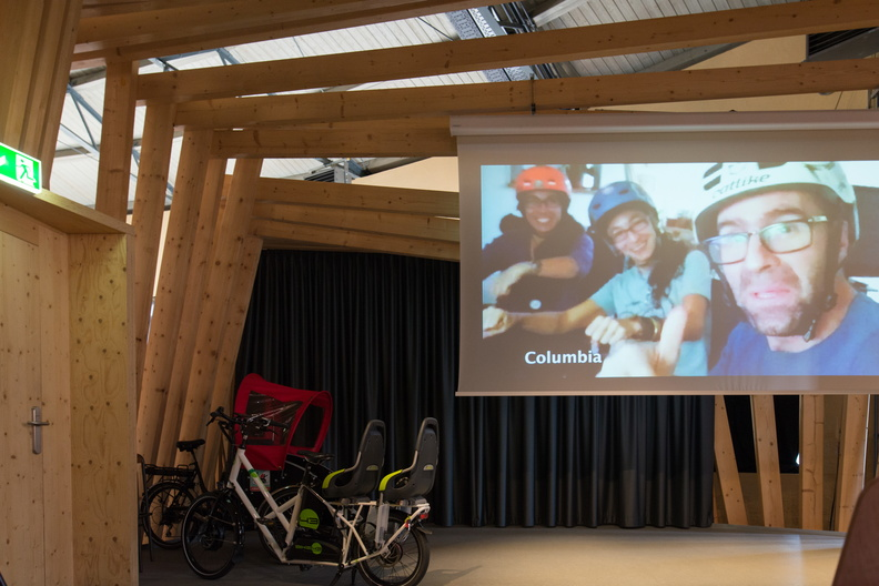 Cyclehack intro video display