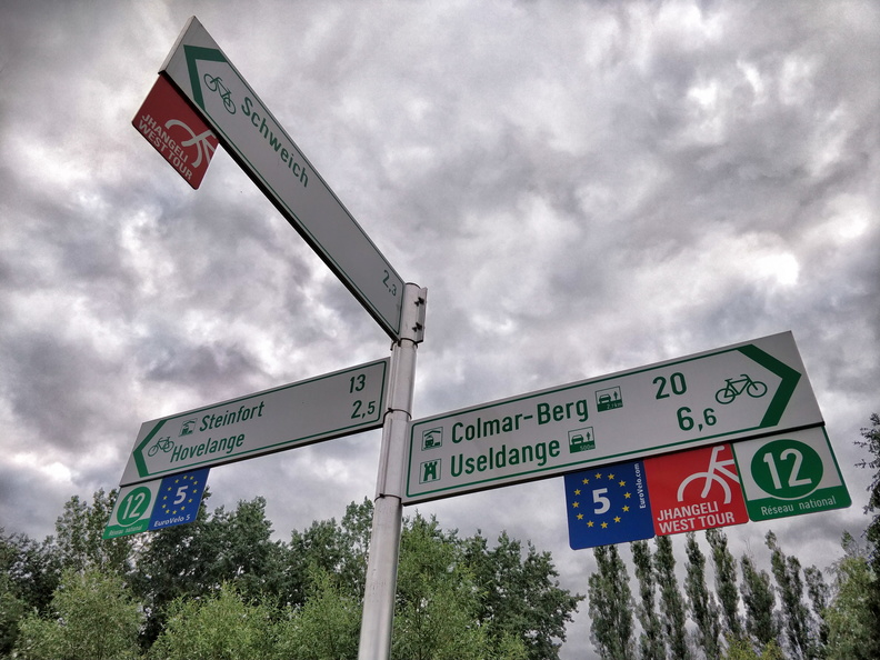 Cycling directions near Beckerich