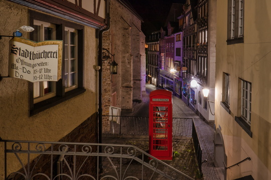 Street of Cochem at night