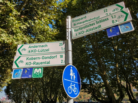 Sign at the end of Moselradweg in Koblenz