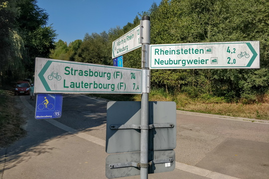 Cycling directions near Neuburg