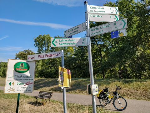 Cycling directions near Leimersheim