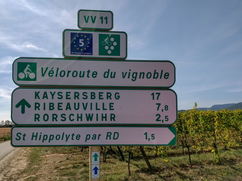 Cycling directions near Saint-Hippolyte