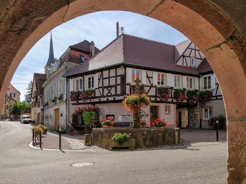 Arch in the village of Blienschwiller
