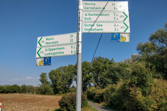Cycling directions near Gimbsheim