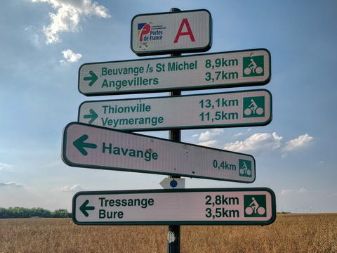 Cycling directions near Havange