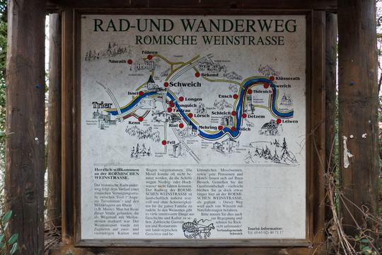 Rad & wanderweg board in Longuich