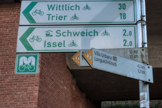 Moselradweg in Longuich