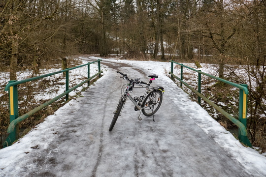 Frozen bridge near Capellen