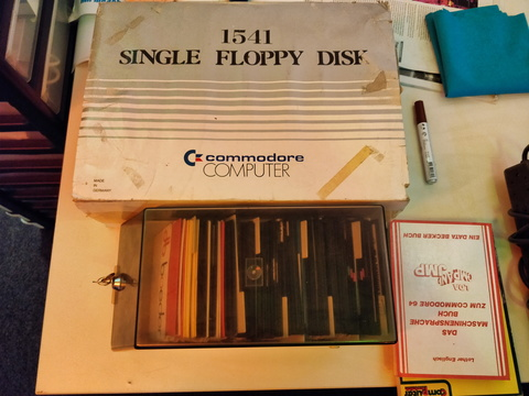 commodore computer 1541 single floppy disk