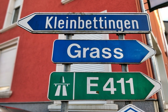 Signs in Sterpernich