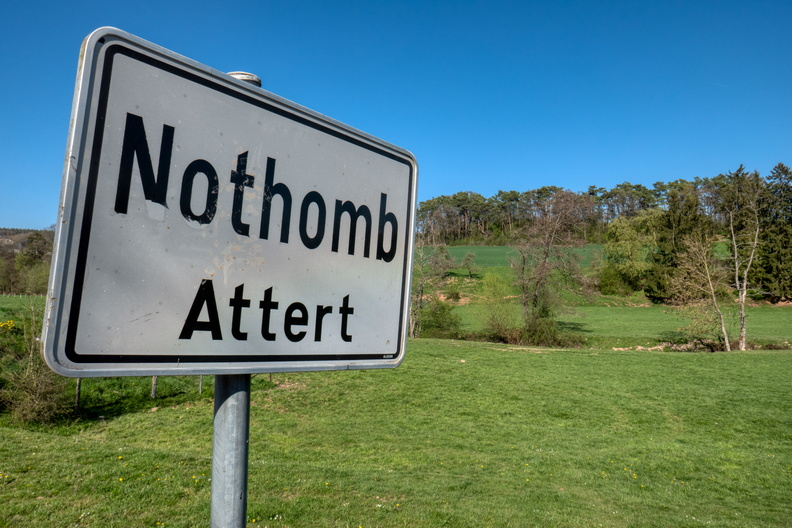 Nothomb sign