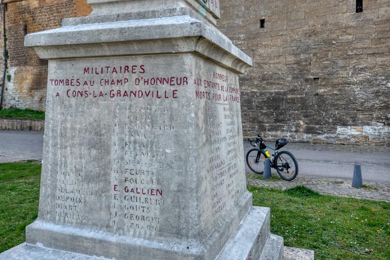 Military memorial in Cons-la-Grandville
