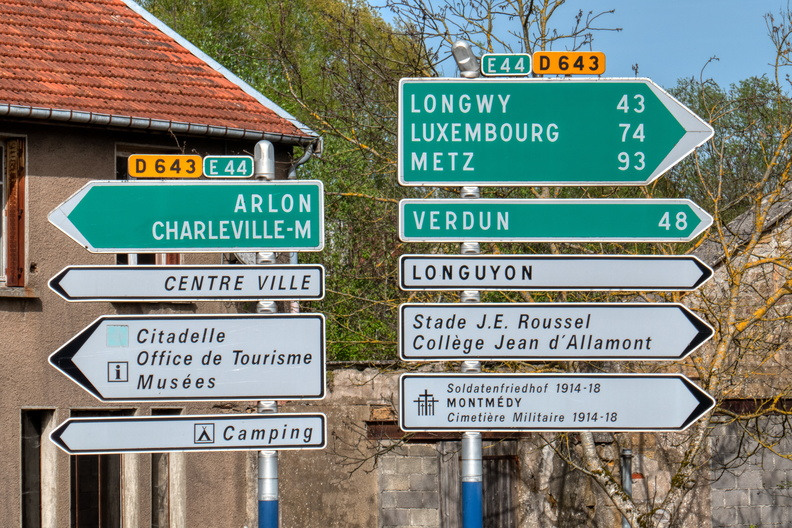 Directions on E44 in Montmédy