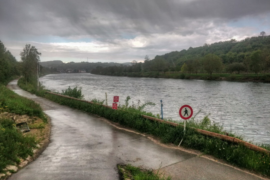 Rain and works along the Moselle river