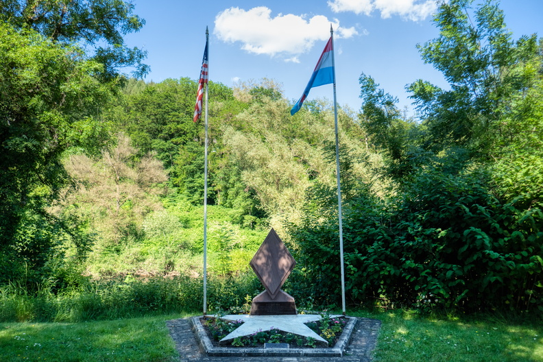 5th U.S. Infantry Division memorial