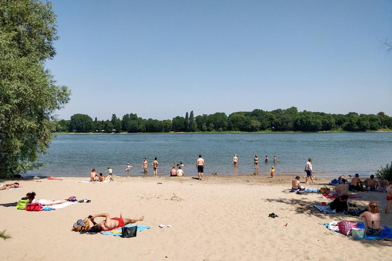 Rhine beach, Cologne