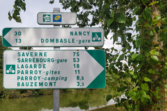 Cycling directions near Einville-au-Jard