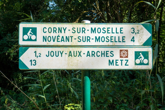 Cycling directions near Jouy-aux-Arches