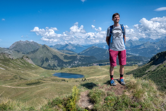 Posing above Lac de Roy
