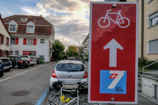 Jura cycling route sign