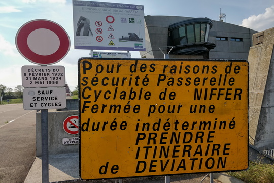 Eurovelo 6 closure sign