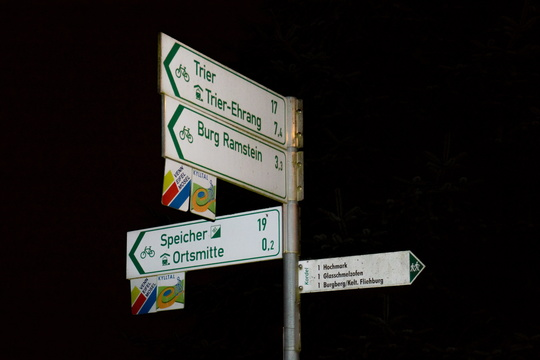 Direction to Trier points to a way where it's prohibited to cycl