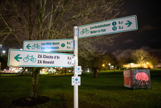 Cycling directions in Hesper Park