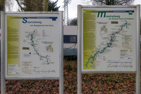 Saar-Radweg and Mosel-Radweg maps and information boards