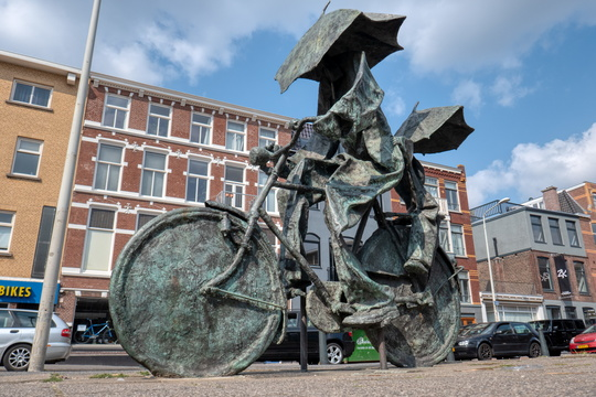Statue in The Hague
