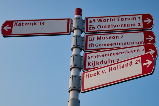 Cycling directions in The Hague