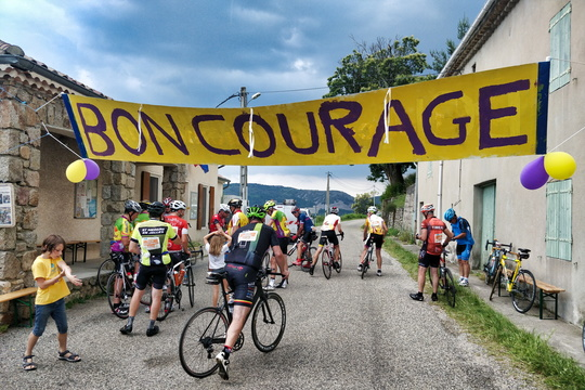 Bon courage near Saint-Étienne-de-Serre