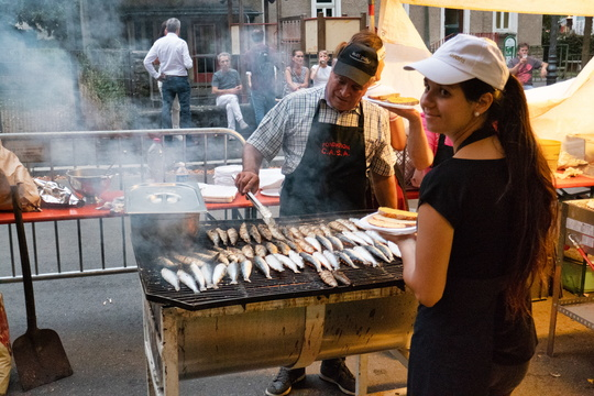 Sardine BBQ in the city