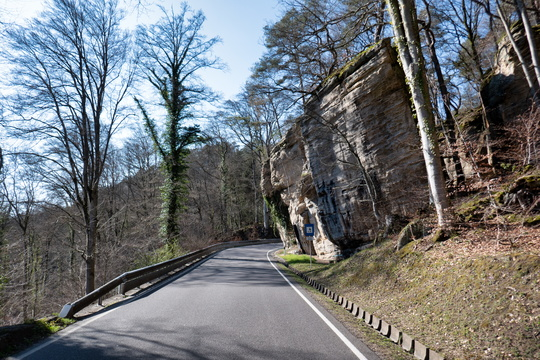 Climb to Beaufort from Mullerthal valley