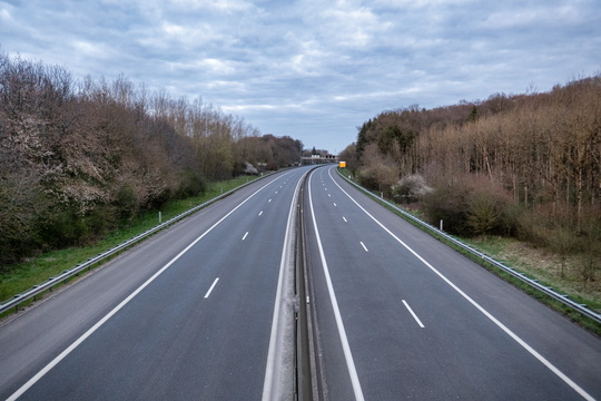 Empty E25 motorway near Steinfort