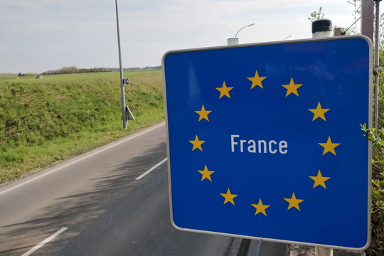 Crossing the border to France for a few meters