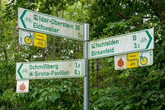 Cycling directions near Elchweiler