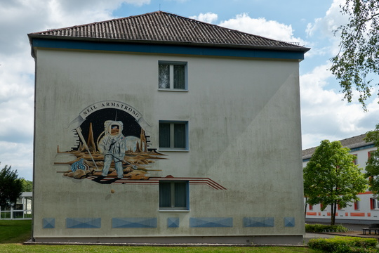 Niel Armstrong mural on a building in Bitburg