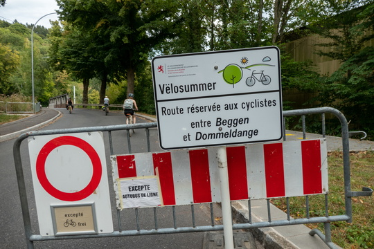 Vëlosummer sign in Beggen