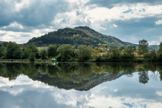 Reflection on the Saar near Serrig