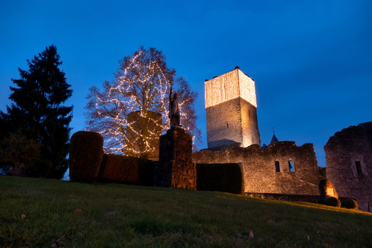 Christmas decorated Useldange Castle