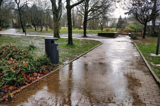 Rainy day in Parc de Merl